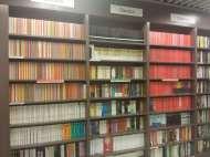 The most organised bookshelves I've ever seen...